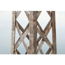 Lattice Pattern Metal Obelisk